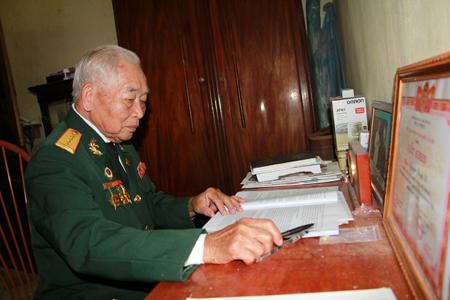 Dù tuổi cao song ông Nguyễn Đình Vỹ vẫn là nguồn động viên cho hội viên nỗ lực phấn đấu.