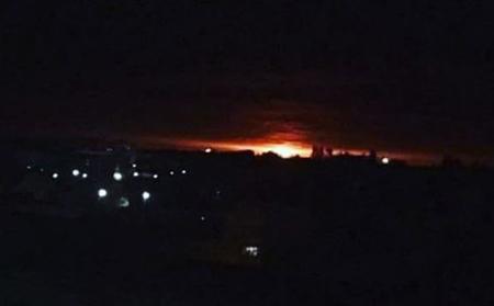 Hình ảnh vụ nổ nhìn từ nhà dân ở phía xa.