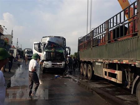 Hiện trường vụ tai nạn tại xã Diễn Yên, huyện Diễn Châu, tỉnh Nghệ An.