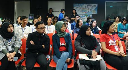 Đại diện thanh niên ASEAN tham gia đối thoại về bình đẳng giới.