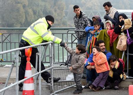 Người di cư tại khu vực biên giới Áo.