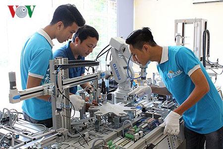 Bộ LĐ-TB-XH đề xuất môn tiếng Anh là môn bắt buộc trong đào tạo nghề.