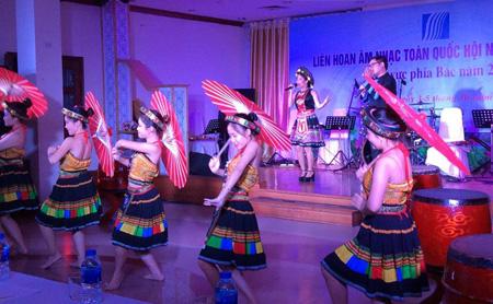 Liên hoan giới thiệu tới công chúng nhiều ca khúc mới xoay quanh 2 chủ đề là biển đảo quê hương; xây dựng nông thôn mới.