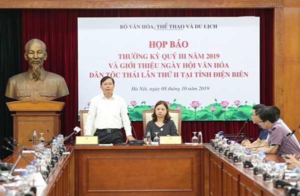 Họp báo thông tin về Ngày hội Văn hoá dân tộc Thái.