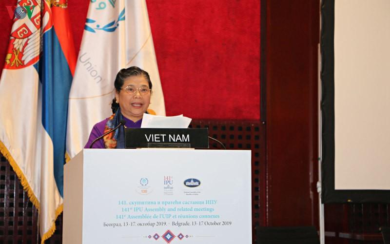Phó Chủ tịch Quốc hội Tòng Thị Phóng.