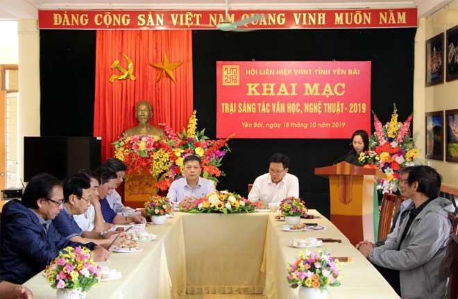 Quang cảnh Lễ khai mạc Trại sáng tác văn học nghệ thuật tỉnh Yên Bái năm 2019