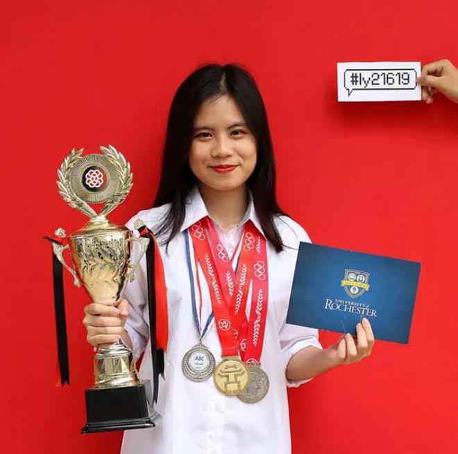 Vũ Mai Linh, tân sinh viên của Trường University of Rochester.