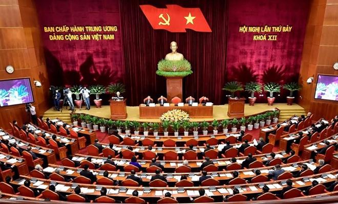 """Nghị quyết Trung ương 7 (khóa XII) đề ra nhiệm vụ """"kiểm soát chặt chẽ quyền lực trong công tác cán bộ; chống chạy chức, chạy quyền""""."""
