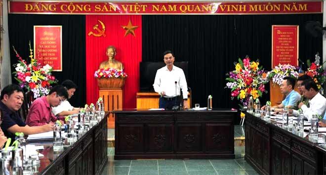 Đồng chí Dương Văn Tiến, Phó Chủ tịch UBND tỉnh phát biểu kết luận Hội nghị
