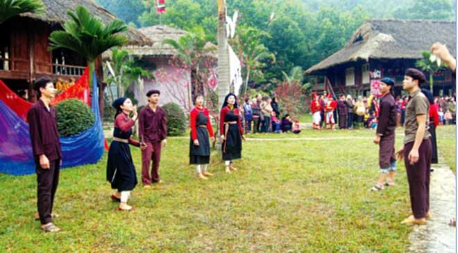 Người dân thôn Khe Gầy, xã Đại Đồng huyện Yên Bình luôn giữ gìn và phát huy bản sắc văn hóa dân tộc.