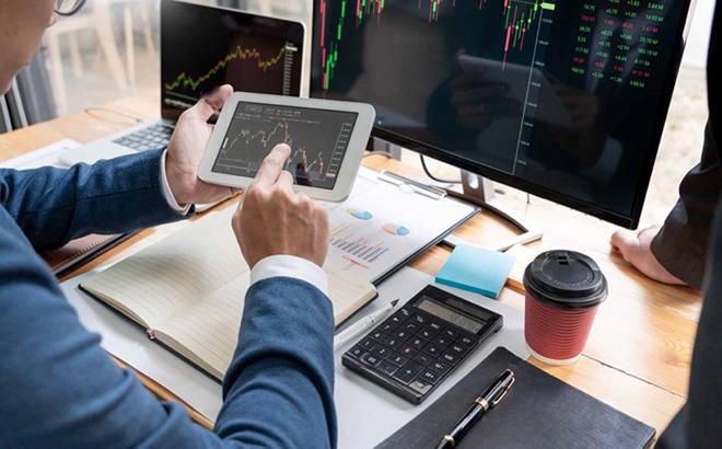 Từ 1/10, nhà đầu tư phải thực hiện xác thực mỗi khi giao dịch chứng khoán trực tuyến (Ảnh minh họa)