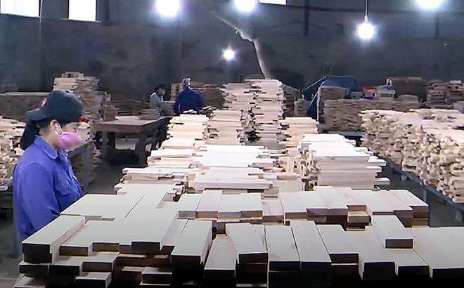 Sản xuất các mặt hàng gỗ nội, ngoại thất cao cấp phục vụ cho tiêu dùng và xuất khẩu tại Doanh nghiệp tư nhân Đăng Khoa.