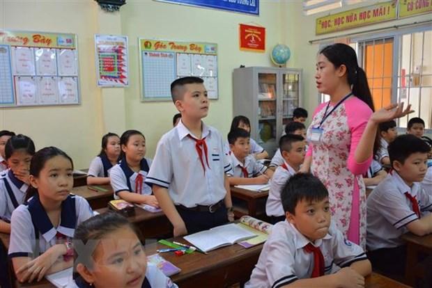 Cậu bé toán học Lê Hoàng Nhật Đình không chỉ có thành tích khủng về học tập mà em còn là nòng cốt trong các hoạt động Đoàn, Đội ở trường.