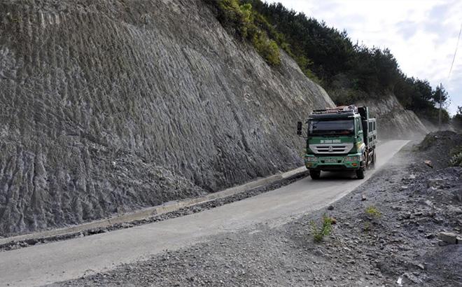 Đường về Tà Xi Láng đã được bê tông hóa