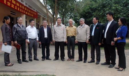 Đoàn đại biểu Quốc hội tỉnh trao đổi với cử tri huyện Yên Bình