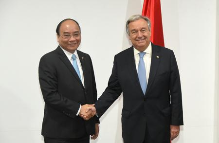 Thủ tướng Nguyễn Xuân Phúc gặp Tổng thư ký LHQ Antonio Guterres.