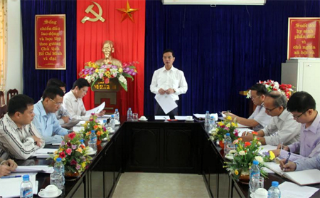 Đồng chí Dương Văn Tiến phát biểu tại buổi làm việc.