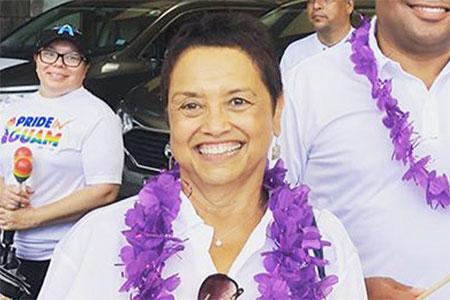 Bà Lou Leon Guerrero, nữ thống đốc đầu tiên ở Guam là người của Đảng Dân chủ.