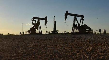 Iran tuyên bố vẫn bán được dầu bất chấp lệnh trừng phạt của Mỹ.