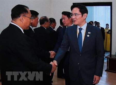 Phó Thủ tướng Triều Tiên Ri Ryong-nam (trái) ngày 19/9/2018.