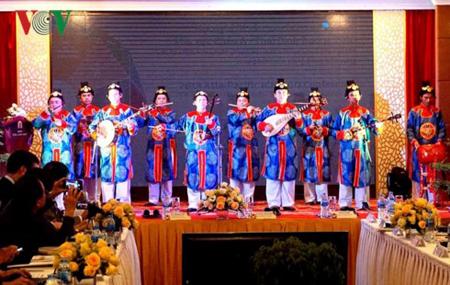Biểu diễn Nhã Nhạc tại Hội nghị.