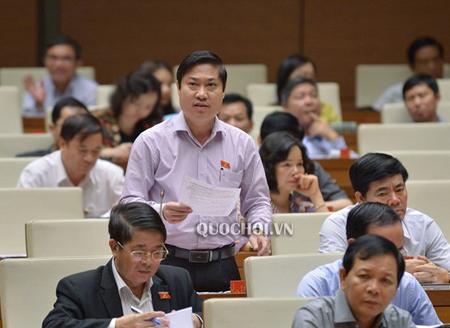 Đại biểu Quốc hội Phan Thái Bình, Đoàn Đại biểu Quốc hội tỉnh Quảng Nam tại phiên họp sáng 16/11.