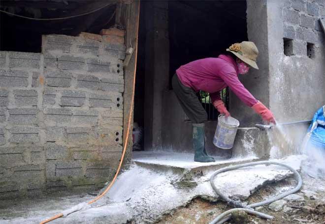 Vệ sinh tiêu độc khử trùng là một trong những biện pháp quan trọng khi thực hiện chăn nuôi an toàn sinh học.