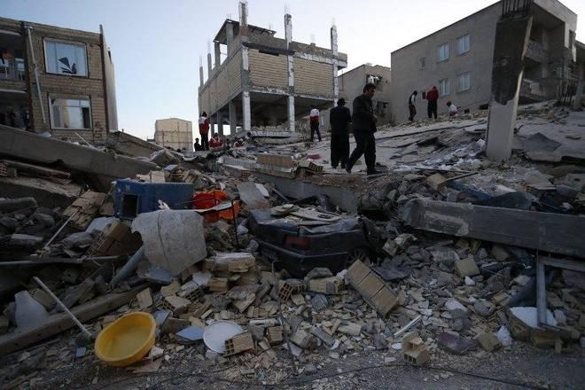 Khung cảnh đổ nát sau một trận động đất ở Iran.