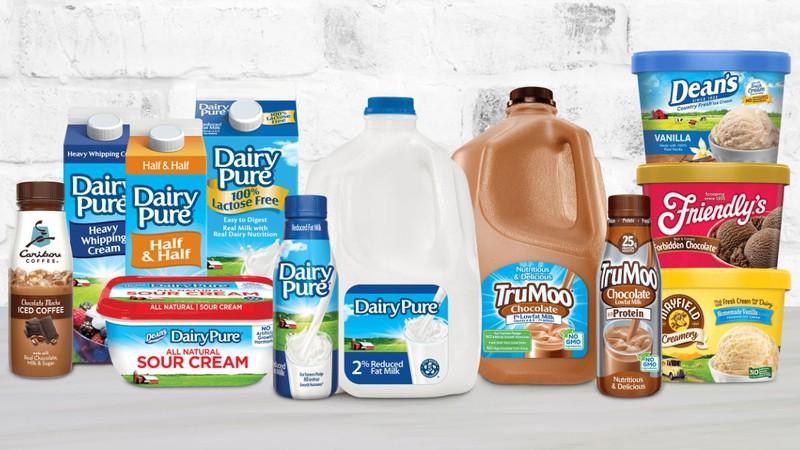 Nhiều nhãn hàng và sản phẩm từ sữa của công ty Dean Foods.