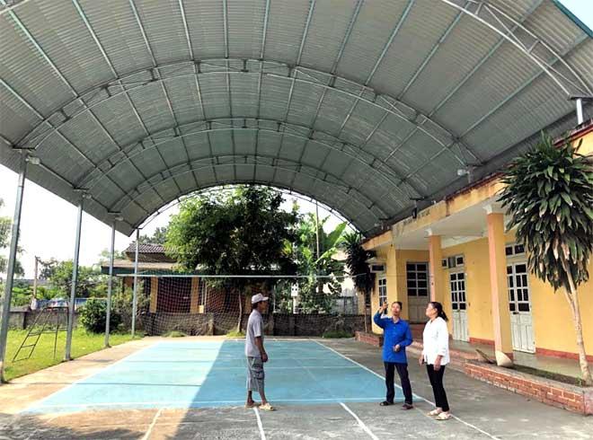 Nhà sinh hoạt cộng đồng thôn Xuân Lan vừa được nâng cấp khang trang, sạch đẹp hơn từ nguồn đóng góp của người dân.