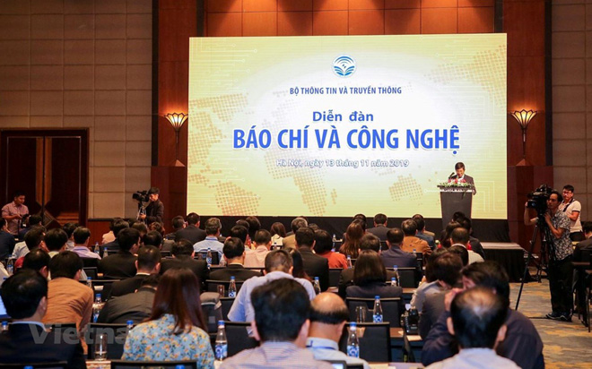 Diễn đàn thu hút sự tham gia của khoảng 200 đại biểu.