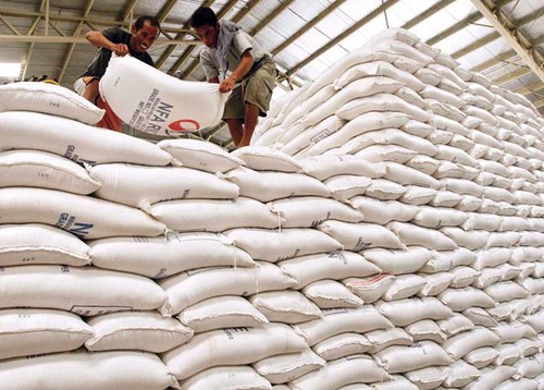 Các Cục Dự trữ Nhà nước khu vực đã xuất cấp 105,7 nghìn tấn gạo dự trữ quốc gia hỗ trợ các tỉnh. (Ảnh minh họa: KT)