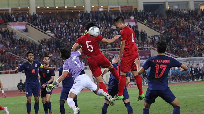 Hiệp 1 trận đấu giữa Việt Nam và Thái Lan diễn ra rất hấp dẫn.