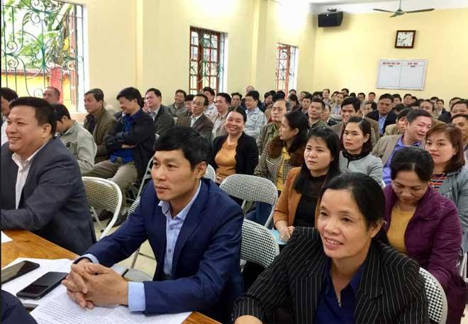 279 cán bộ, lãnh đạo huyện, lãnh đạo các cơ quan chuyên trách tham mưu, giúp việc Huyện ủy, các cơ quan chuyên môn thuộc UBND, các tổ chức chính trị - xã hội huyện tham dự lớp tập huấn.