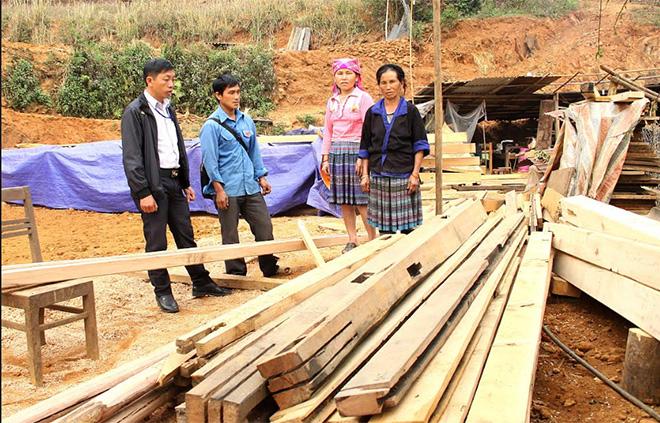 Huyện Mù Cang Chải có 7 nhà làm mới, kinh phí hỗ trợ 230 triệu đồng.