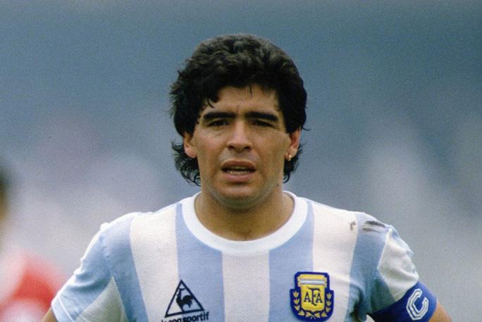 Diego Maradona qua đời ở tuổi 60 vì trụy tim