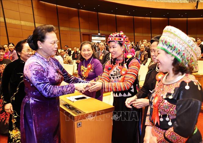 Chủ tịch Quốc hội Nguyễn Thị Kim Ngân với các đại biểu