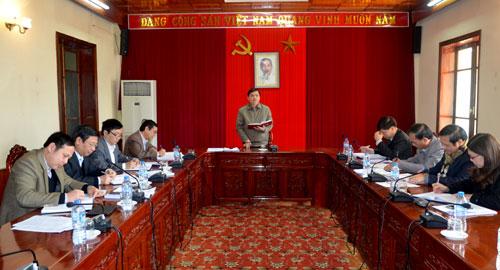 Đồng chí Dương Văn Thống - Phó Bí thư Thường trực Tỉnh ủy chủ trì buổi giao ban.