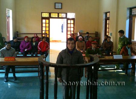 Bị cáo Phạm Văn Tuyến tại phiên tòa xét xử.