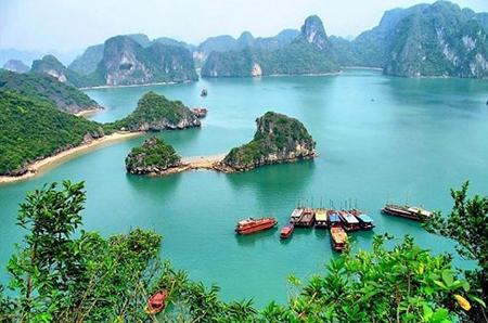 Vịnh Hạ Long - Quảng Ninh.