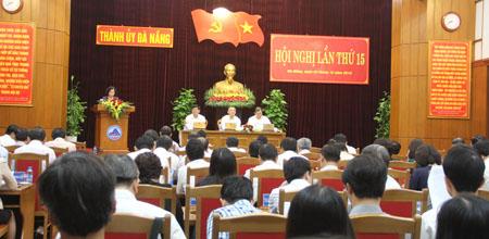 Ban Chấp hành Đảng bộ TP. Đà Nẵng khóa XXI xem xét quyết định thi hành kỷ luật đối với ông Lê Văn Tam, nguyên Giám đốc Công an TP. Đà Nẵng.