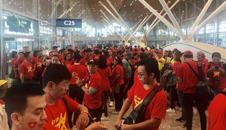 Hàng nghìn cổ động viên Việt Nam đã có mặt tại Kuala Lumpur.