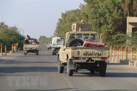 Các lực lượng ủng hộ Chính phủ Yemen làm nhiệm vụ tại khu vực Hodeidah ngày 13/11/2018.
