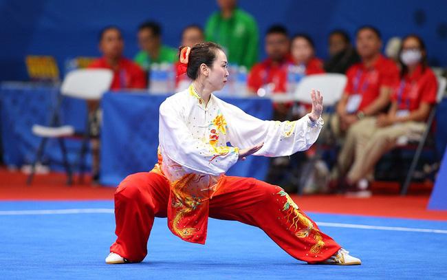Thi đấu nội dung thái cực quyền với 9,53, Minh Huyền chỉ giành được HCĐ.