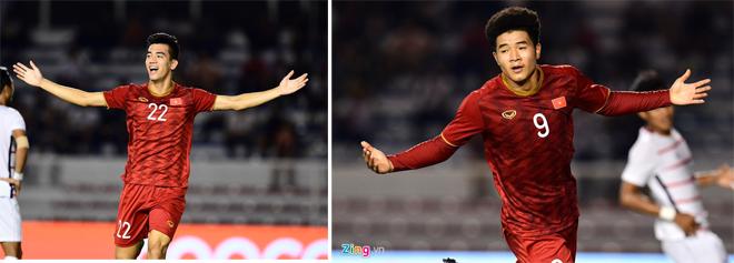 Tiến Linh mở màn cho chiến thắng dễ của U22 Việt Nam (trái) và Đức Chinh (phải) có ngày thi đấu tốt với 2 bàn thắng.