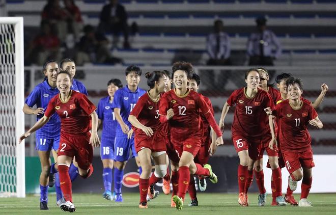 Niềm vui của tuyển Việt Nam sau bàn thắng của Hải Yến. (Ảnh: Vietnam+)