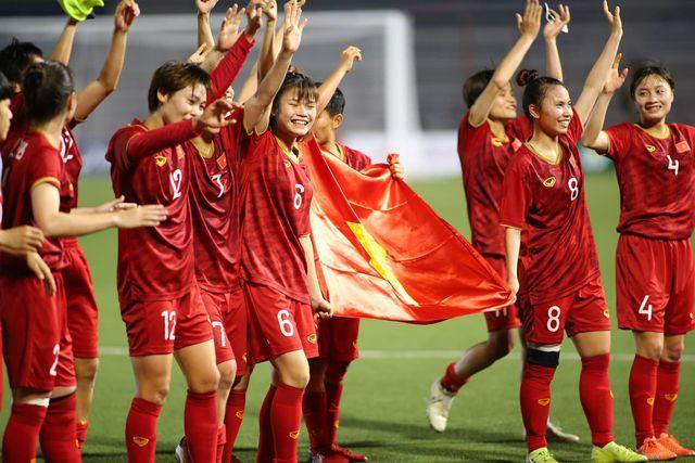 Đội tuyển nữ Việt Nam nhận