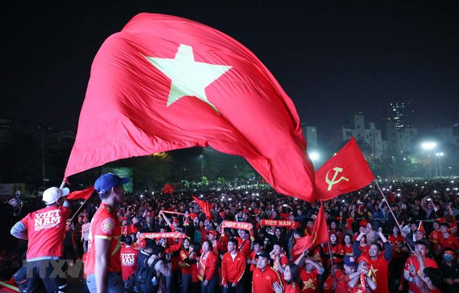 Cảm xúc vỡ òa khi U22 Việt Nam giành chiến thắng.