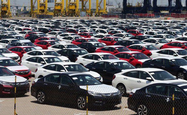 Xe nhập bất ngờ giảm lượng về Việt Nam một cách đầy khó hiểu giữa bối cảnh mua sắm xe đang gia tăng.