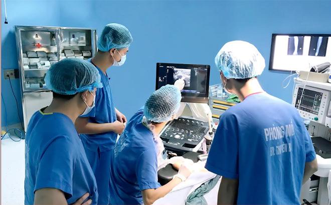 Ngành y tế đã tăng cường đầu tư nhiều trang thiết bị chuẩn đoán, điều trị hiện đại cho các cơ sở y tế tuyến huyện.
